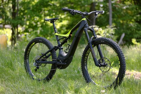 Test: New Specialized Turbo Levo Carbon – The sexiest