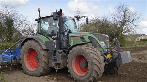 Fendt 718 Vario Cultivating 2016 - YouTube