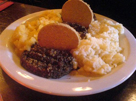 9 traditional Scottish foods to try (besides haggis
