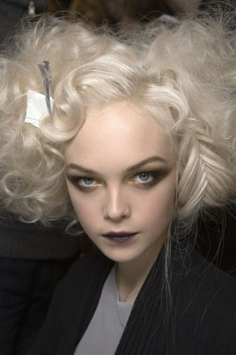 22 Spooky And Crazy Hairstyles For Halloween – The WoW Style