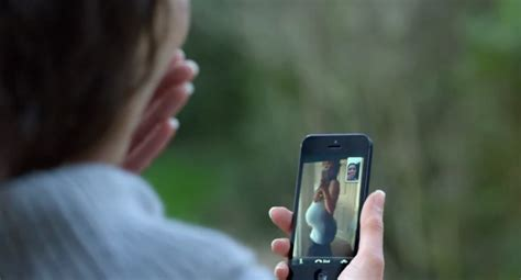 """Apple Airs New iPhone 5 Commercial: """"FaceTime Every Day"""