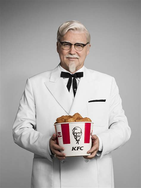 Norm MacDonald takes over for Darrell Hammond as KFC's