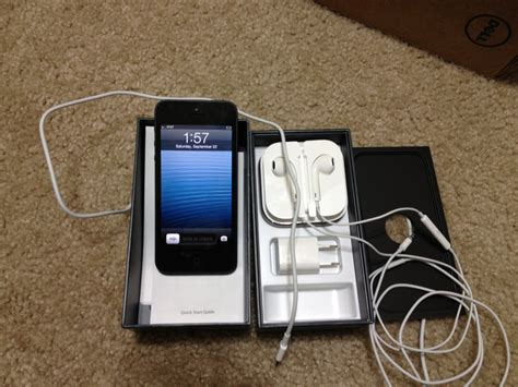 iPhone 5 Unboxing And Comparison [Pictures]