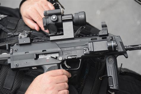 British Police Guards armed with SMGs -The Firearm Blog