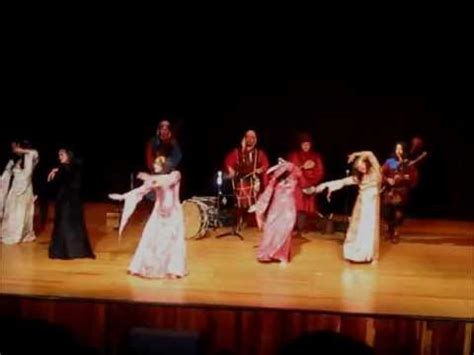 Danza Medieval / Medieval dance - YouTube